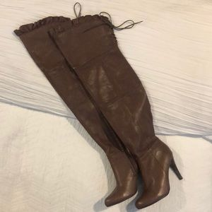 Gorgeous chocolate thigh high Leather boots 👢